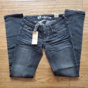 Bullhead Denim Venice Skinny Jeans Sz 00 Short